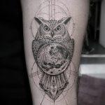 Крутой вариант существующей тату круг – рисунок подойдет для тату дерево в круге