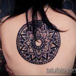 Крутой вариант выполненной татуировки круг – рисунок подойдет для тату круг на руке