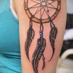 Классный вариант готовой татуировки круг – рисунок подойдет для тату спине круг