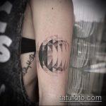 Прикольный пример существующей тату круг – рисунок подойдет для тату круг на запястье