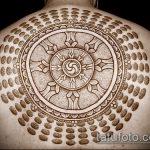 Зачетный вариант готовой наколки круг – рисунок подойдет для тату круг на груди