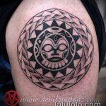 Зачетный пример нанесенной тату круг – рисунок подойдет для тату круг на руке