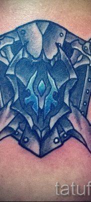 Идея крутой тату щит и меч для статьи про историю тату щит с мечем