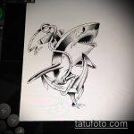 Оригинальный вариант эскиза наколки АКУЛА – рисунок подойдет для тату акулы плече
