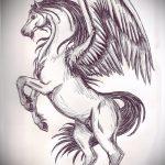 Интересный эскиз татуировки крылья – рисунок наколки крыло подойдет для тату крыло на руке