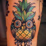 Прикольный пример выполненной тату ананас – рисунок подойдет для тату ананас акварель