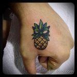 Зачетный пример существующей тату ананас – рисунок подойдет для тату ананас на пояснице