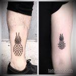 Классный пример выполненной наколки ананас – рисунок подойдет для тату ананас на ноге