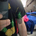 Прикольный пример готовой наколки ананас – рисунок подойдет для тату ананас на пояснице