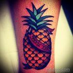 Крутой пример нанесенной тату ананас – рисунок подойдет для тату ананас на шее