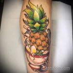 Интересный пример нанесенной наколки ананас – рисунок подойдет для тату ананас на запястье