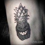 Зачетный пример готовой татуировки ананас – рисунок подойдет для тату ананаса на ноге