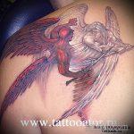 Прикольный вариант существующей наколки ангел и демон – рисунок подойдет для тату ангел и демон на плече
