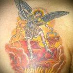 Зачетный пример нанесенной тату Архангел Михаил – рисунок подойдет для тату архангел михаил надпись