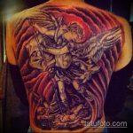 Классный вариант готовой наколки Архангел Михаил – рисунок подойдет для тату архангел михаил на боку