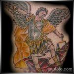 Зачетный вариант нанесенной наколки Архангел Михаил – рисунок подойдет для тату архангел михаил надпись