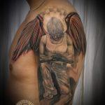 Интересный пример существующей тату Архангел Михаил – рисунок подойдет для тату архангел михаил с мечом