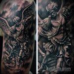 Классный вариант выполненной наколки Архангел Михаил – рисунок подойдет для тату архангел михаил надпись