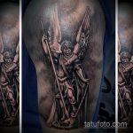 Крутой пример выполненной татуировки Архангел Михаил – рисунок подойдет для тату архангела михаила на плече