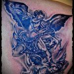Оригинальный вариант существующей наколки Архангел Михаил – рисунок подойдет для тату архангела михаила с щитом