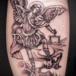 Крутой вариант готовой наколки Архангел Михаил – рисунок подойдет для тату архангел михаил надпись