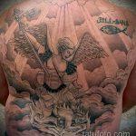 Интересный пример выполненной тату Архангел Михаил – рисунок подойдет для тату архангел михаил на боку