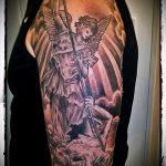 Прикольный вариант существующей наколки Архангел Михаил – рисунок подойдет для тату архангел михаил на руке эскизы