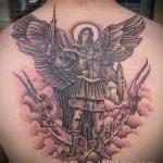 Оригинальный пример существующей татуировки Архангел Михаил – рисунок подойдет для тату архангел михаил на боку