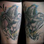 Прикольный вариант существующей наколки аист – рисунок подойдет для тату аист на запястье