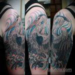 Оригинальный пример существующей татуировки аист – рисунок подойдет для тату аист на ноге