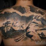 Интересный пример готовой тату аист – рисунок подойдет для тату аист с ребенком