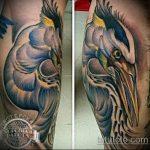 Оригинальный пример существующей тату аист – рисунок подойдет для тату аист на спине