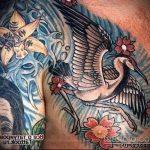 Интересный вариант готовой татуировки аист – рисунок подойдет для тату аиста на руке