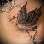 Зачетный вариант существующей тату аист – рисунок подойдет для тату аист на запястье