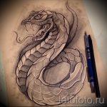 Интересный вариант тату эскиз змеи – можно использовать для тату змея обвивает руку