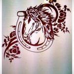 Оригинальный вариант тату эскиз подковы – можно использовать для тату подкова для мужчин