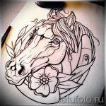Достойный вариант тату эскиз подковы – можно использовать для тату подкова для девушки