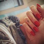 Прикольный вариант существующей тату крест на пальце – рисунок подойдет для тату крест указательном пальце