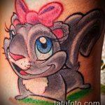 Оригинальный вариант готовой татуировки белка – рисунок подойдет для фото тату белка щелкает орешки