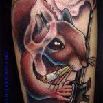 Интересный вариант нанесенной татуировки белка – рисунок подойдет для фото тату белка ёж лягушка