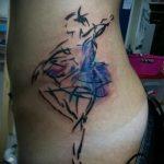 фото тату балерина №942 - интересный вариант рисунка, который хорошо можно использовать для переработки и нанесения как тату балерина и лебедь значение