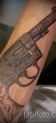 Фото тату револьвер (значение) – пример интересного рисунка тату – 037 tatufoto.com