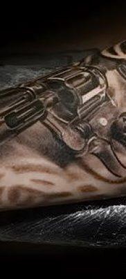 Фото тату револьвер (значение) – пример интересного рисунка тату – 038 tatufoto.com