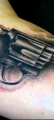 Фото тату револьвер (значение) – пример интересного рисунка тату – 047 tatufoto.com