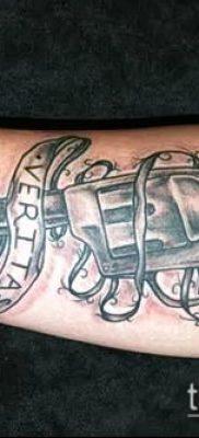 Фото тату револьвер (значение) – пример интересного рисунка тату – 049 tatufoto.com