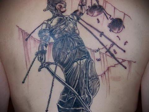 фото тату Фемида (значение) - пример интересного рисунка тату - 044 tatufoto.com