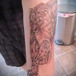 фото тату барс №992 - классный вариант рисунка, который удачно можно использовать для преобразования и нанесения как тату барса на руке