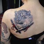 фото тату барс №647 - эксклюзивный вариант рисунка, который легко можно использовать для переработки и нанесения как татуировка барс на спине