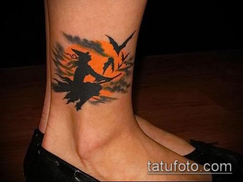 фото тату ведьма №797 - крутой вариант рисунка, который хорошо можно использовать для доработки и нанесения как тату ведьма на метле