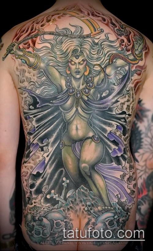 фото тату ведьма №755 - прикольный вариант рисунка, который удачно можно использовать для преобразования и нанесения как татуировка ведьма на метле